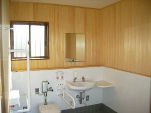 トイレ(木)